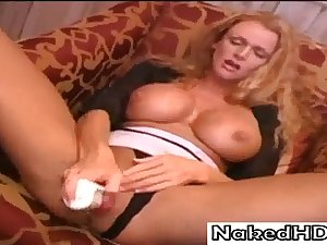 Lovley Mature from NakedHD Loves to Mastrubate