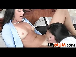 Sex ed with sexy Mum